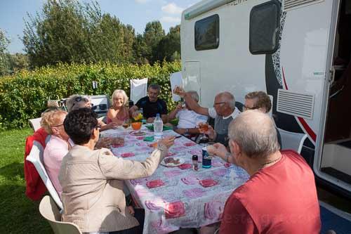 france, region haute normandie, eure, pont de l'arche, camping camp'eure, campeurs,