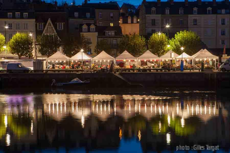 france, region ibasse normandie, calvados, trouville, port et quai fernand moureaux, nuit