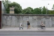 allemagne (germany), berlin, bernauer strasse, mur de berlin, autour du memorial du mur,