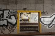 allemagne (germany), berlin, voies du s bahn, berlin tegel, enfant sur le quai,