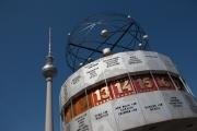 allemagne (germany), berlin,alexanderplatz, tour fernsehturm, tour de television de berlin est, horloge universelle,
