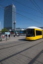 allemagne (germany), berlin,alexanderplatz, tour fernsehturm, tramway