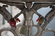 allemagne (germany), berlin,, museuminsell ile aux musees, pont avec cadenas,