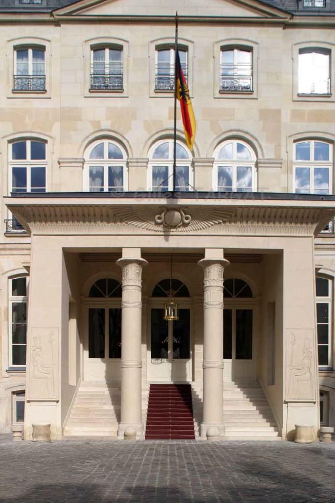 paris-et-napoleon-hotel-de-beauharnais-683x1024.jpg
