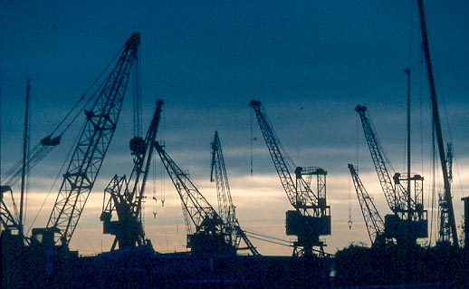 42-LEH-ST2-le-havre-grues-port-commerce.jpg