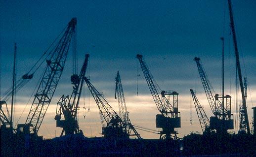42-LEH-ST2-le-havre-grues-port-commerce.jpg
